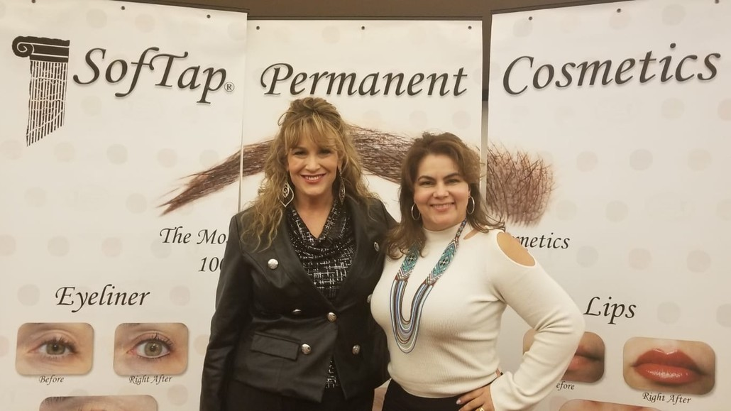 Dr Cardona and Karly Rose at 2019 Softap Conference