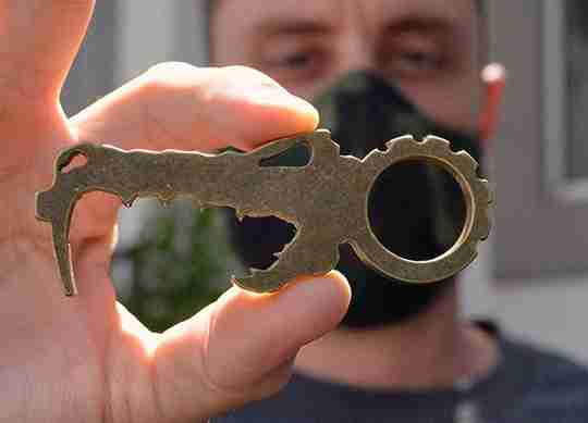 Dino Phobe pocket tool