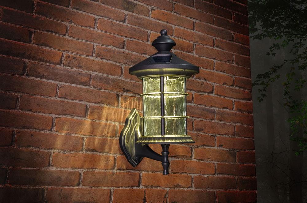 CLASSY BLACK ALUMINUM HAMPTON SOLAR LAMP