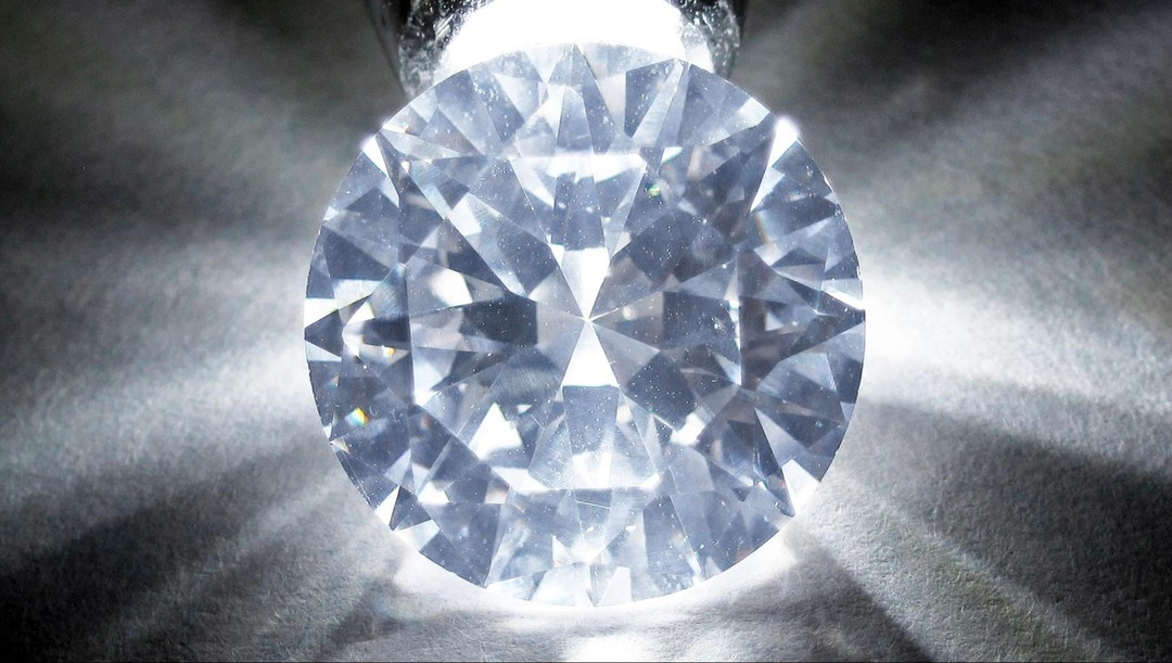Cubic Zirconia vs. Diamond: What's the Difference? - Blush and Bar