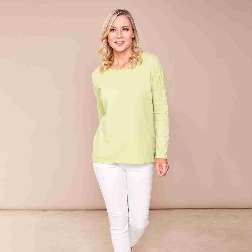 Sarah T-Shirt(Apple Green))