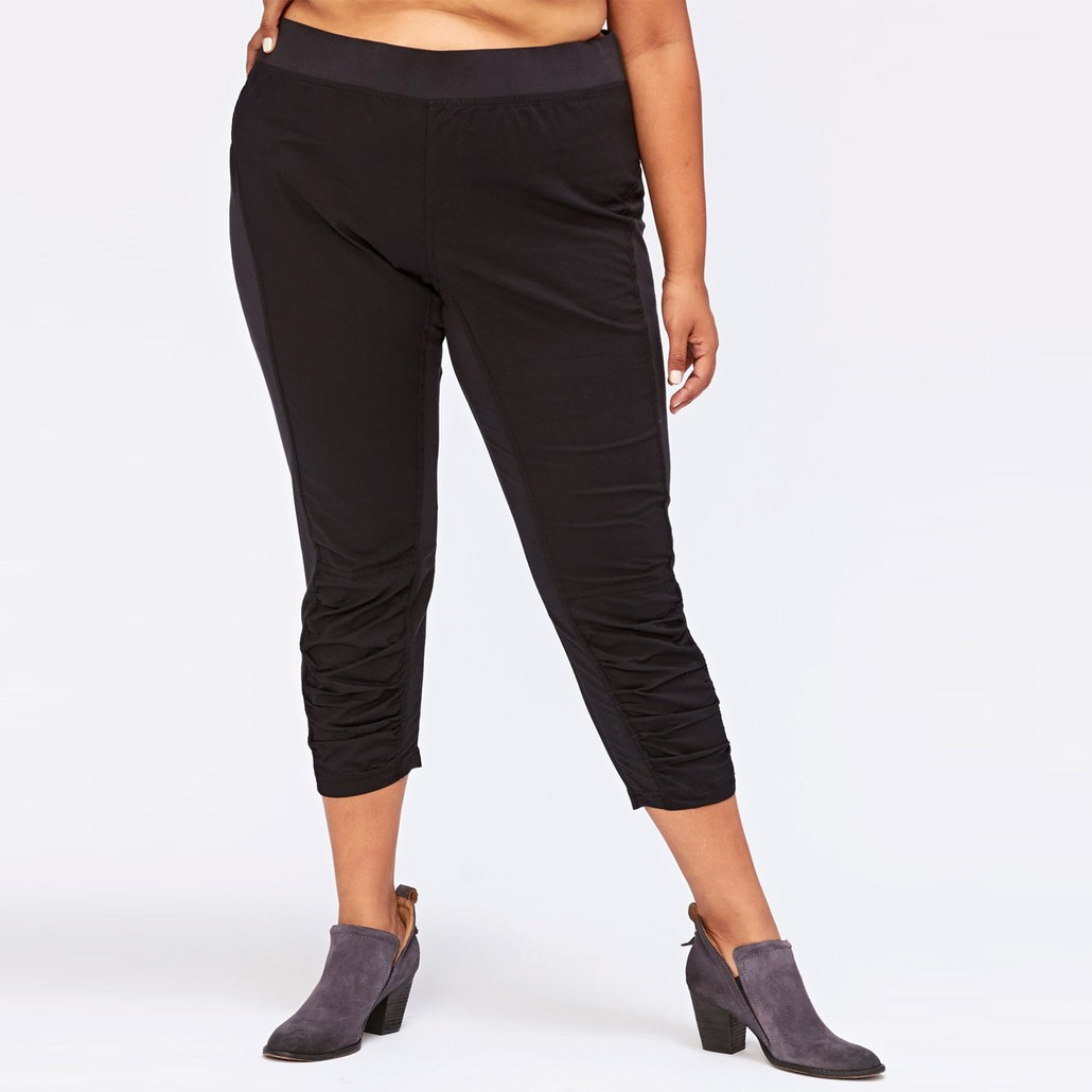 Jetter Crop in Black