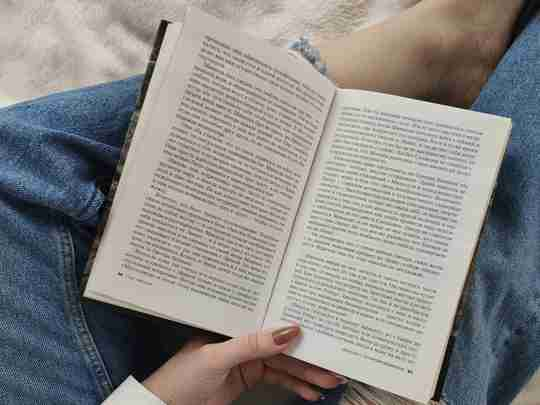 Manage anxiety with reading2