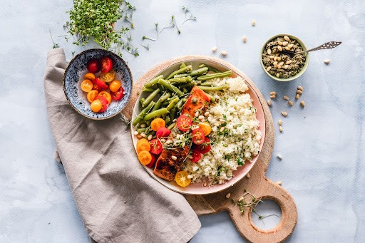 micronutrients in salmon grains and tomatoes green beans