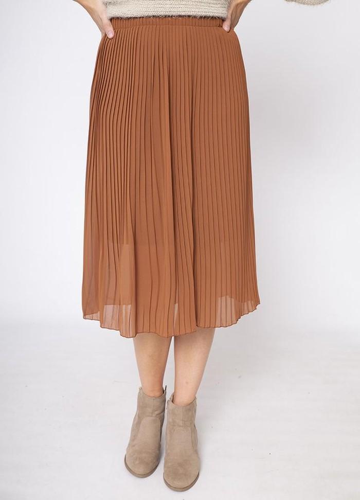 Snake Print Pleat Skirt in Brown