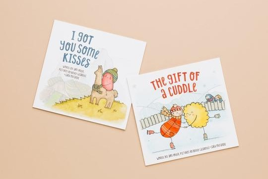 BUNDLE paperback Kisses + Cuddle