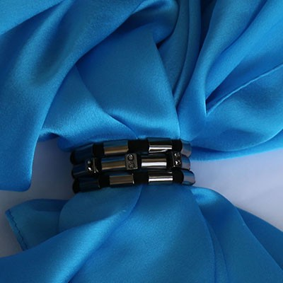 Black Glow Scarf Lock