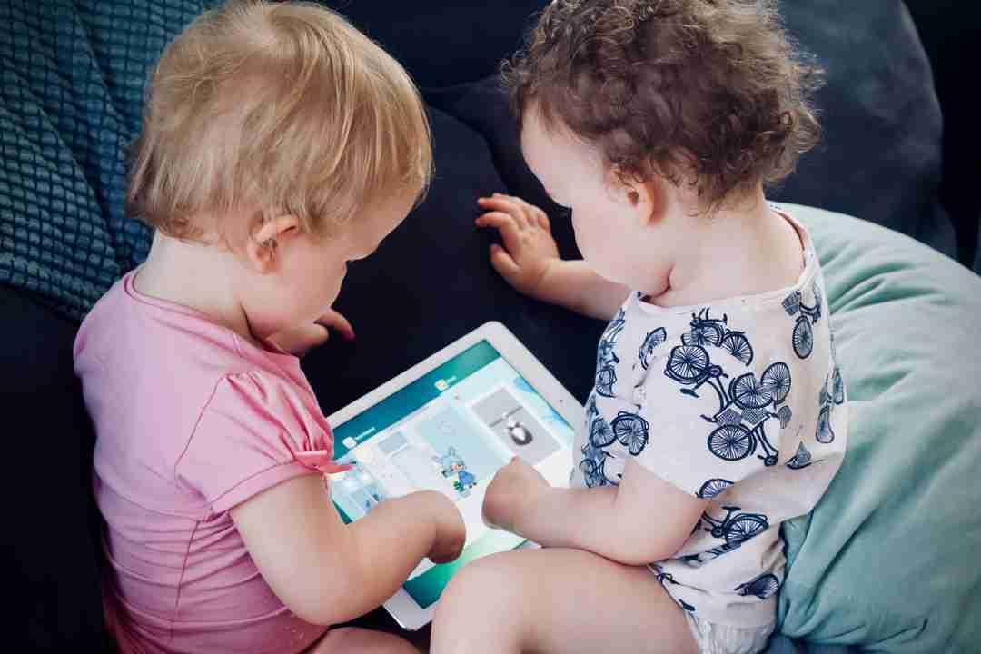Kids watching Ipad