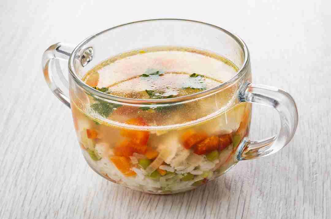 Sopa de arroz de pollo y coliflor