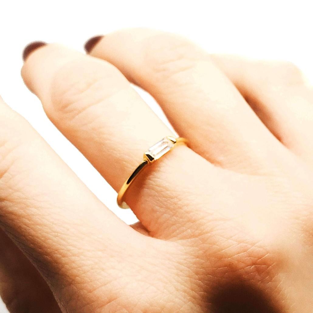 Moonie Glass Geometric Ring