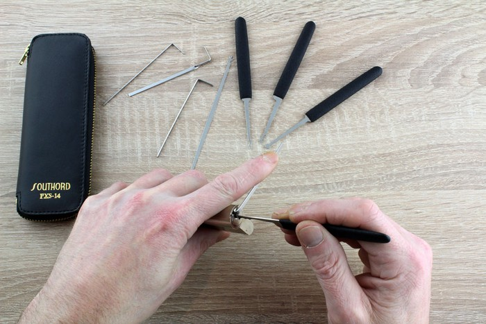 Best Lock Pick Sets - Lock Picking with SouthOrd Beginners Set and Cutaway Lock