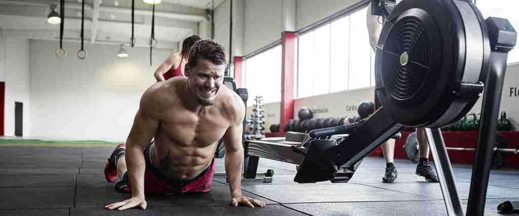 CrossFit athlete doing burpees after consuming a citrulline supplement.