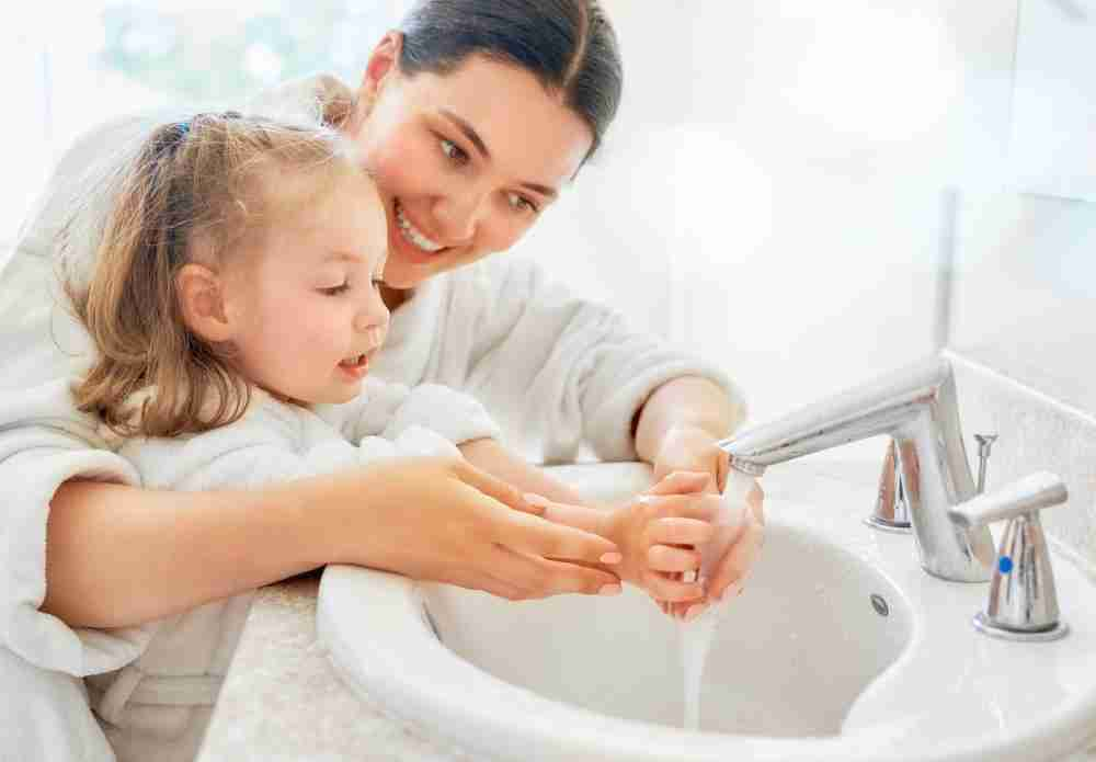 Washing your kids hands