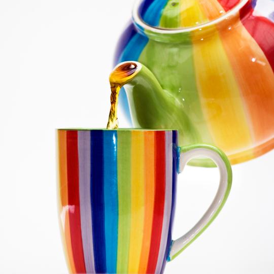 Rooibos Rocks colourful teapot pouring tea