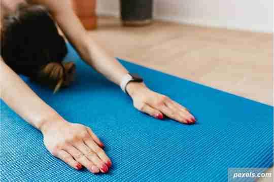 yoga bareng ibu, kegiatan hari ibu