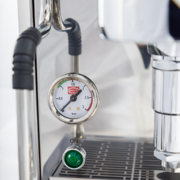 quick-mill-rubino-espresso-machine-pressure-gauge