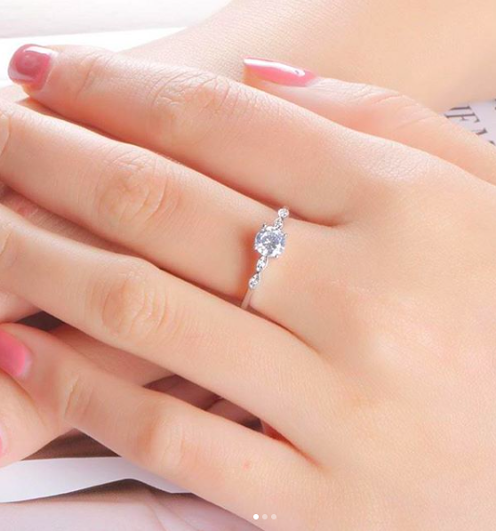 Engagement ring on a woman's hand