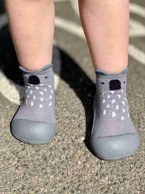 Attipas baby shoes in Koala Gray