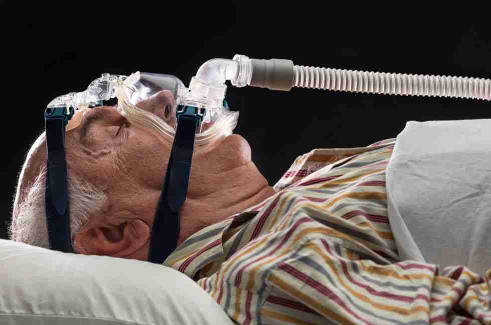 Breathing with CPAP machine
