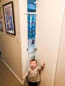 baby door lock and pinch guard