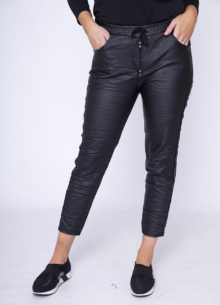 Stud Crinkle Faux Leather Jegging in Black