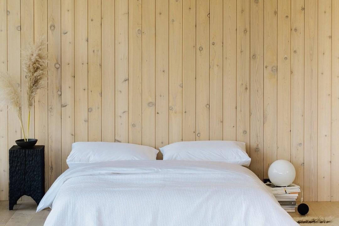 Cool + Crisp Organic Cotton Bed Sheet Set in White