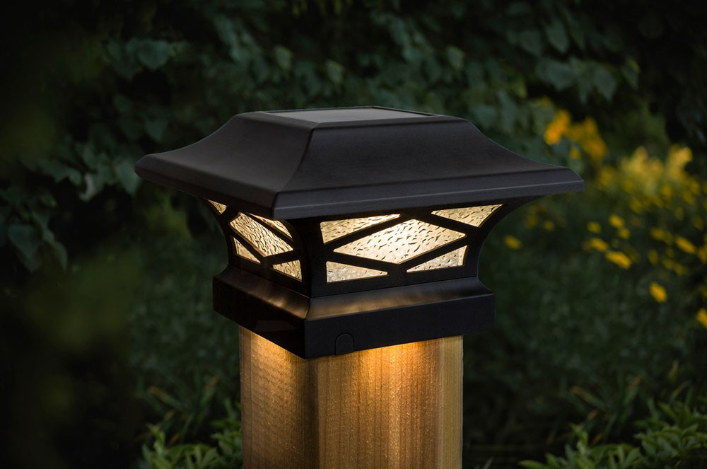 Kingsbridge Black Solar Light