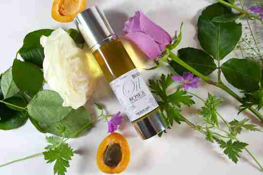 The Rose Tree Winter Gold Limited Edition Body Oil